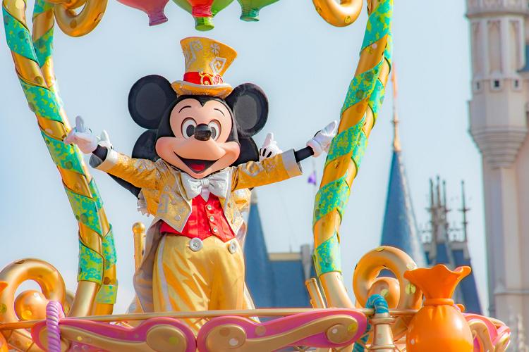【最新】ミッキーマウス徹底解説!プロフィール・顔・声まとめ!大混雑の誕生日やパーク情報も!
