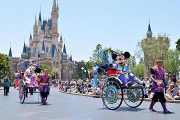 夏イベントがたくさん☆7月ディズニーのおすすめの遊び方♪雨の日対策も