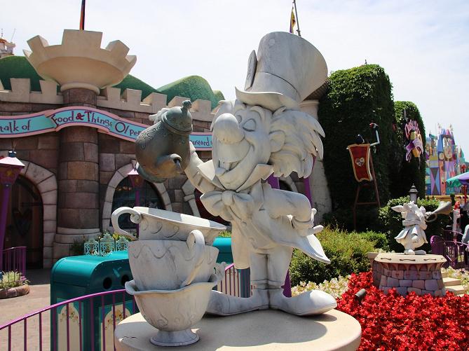 『ふしぎの国のアリス』全キャラクターを紹介!ディズニーランドのどこで会える?
