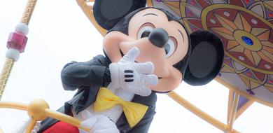 【ミッキーの手のヒミツ】4本指にはワケが?ミッキーグローブフード&グッズも!