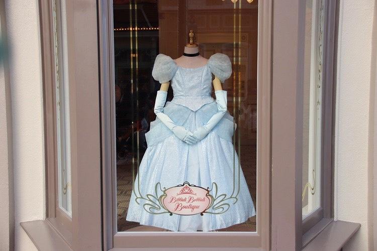 【解説】ビビディバビディブティックのドレスの種類&コースの値段!ディズニープリンセスに変身!