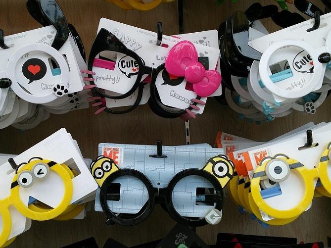 【ユニバ】サングラス&伊達メガネ!ミニオンやスヌーピーなど種類、値段、販売場所まとめ