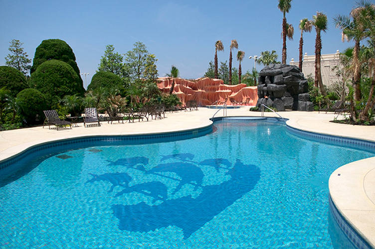 【極上空間】ディズニーホテルのプール!営業期間・料金・特徴を徹底解説!目的別おすすめプールもご紹介!