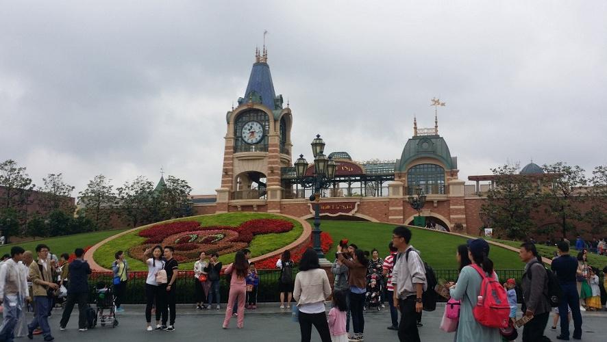 【2020】上海ディズニーランドの混雑情報!空いている時期&混雑対策まとめ!ファストパスを上手に使おう!