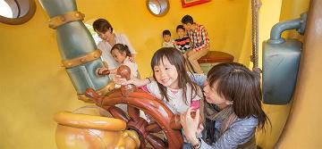 【子連れ必見】ディズニーランドのベビーセンターはどこ?場所・サービス&設備まとめ!