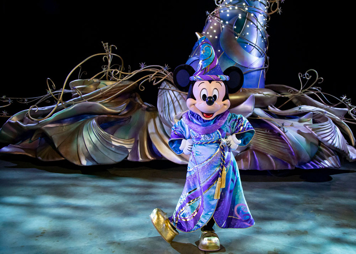 【海外ディズニー】DLR新パレード「Magic Happens(マジック・ハプンズ)」が2/28スタート!