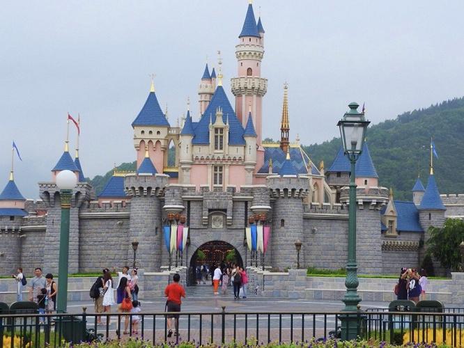 【最新】香港ディズニーランドが再休園!東京ディズニーリゾートの再休園の可能性は?