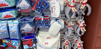 【最新】USJのジョーズグッズ88選!サメがモチーフのお菓子や雑貨をお土産に♪