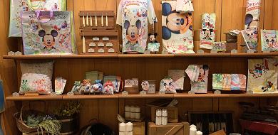 【9/28発売】ディズニーランドの新エリアグッズ21選!ニューファンタジーランドのお土産まとめ!