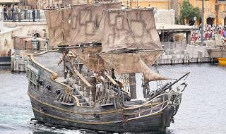 【パイレーツ・オブ・カリビアンの船】ブラックパール号やフライング・ダッチマン号など!船の秘密についても!