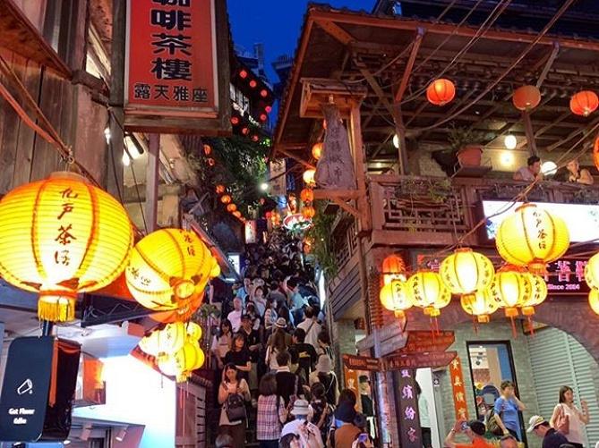 【台北】タクシーの乗り方や料金を徹底解説!Uberやタクシーを使って便利で安全な旅を!