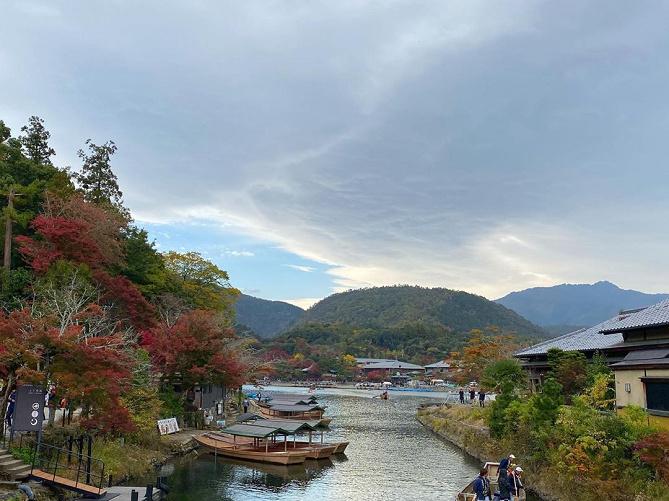 【京都】嵐山の名スポット渡月橋の魅力を紹介!歴史や見どころ、周辺観光スポットまとめ