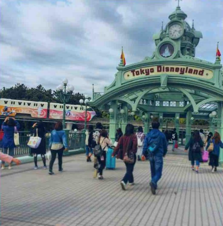 東京ディズニーランドのゲート