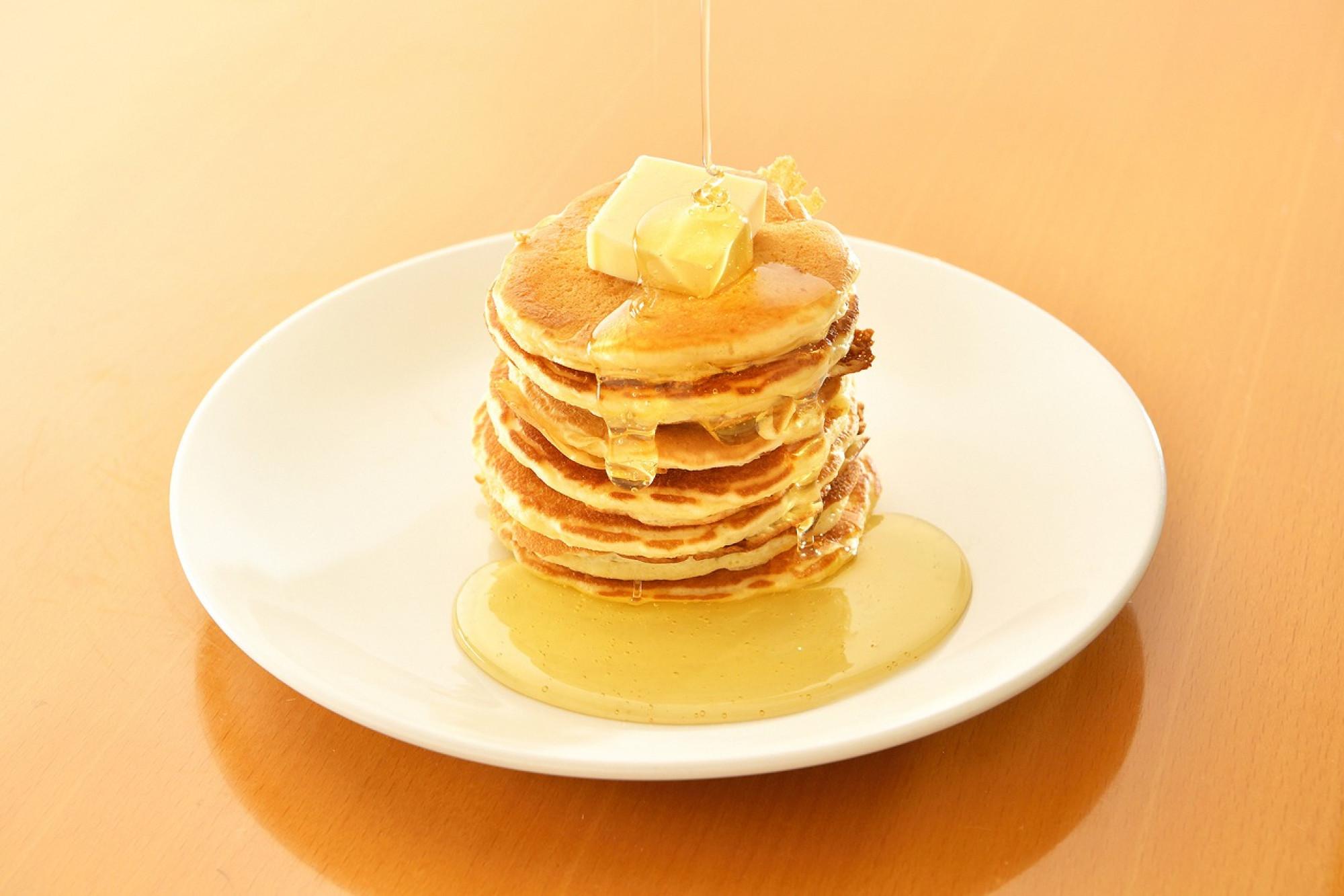 朝食のパンケーキ(イメージ)