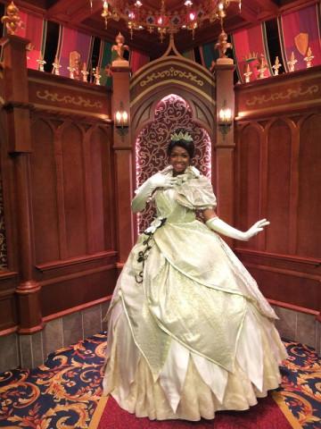 ディズニープリンセス「ティアナ」徹底解説!ドレスやプリンセスと魔法のキスのあらすじ