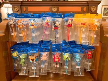 【11/16発売】ディズニーマスコット付き文房具15選!鉛筆にぬいぐるみが付いた新グッズ!