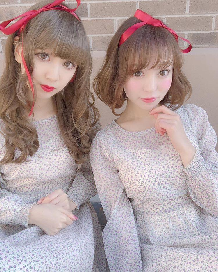 【その他の双子コーデ】リボンヘア×ワンピース