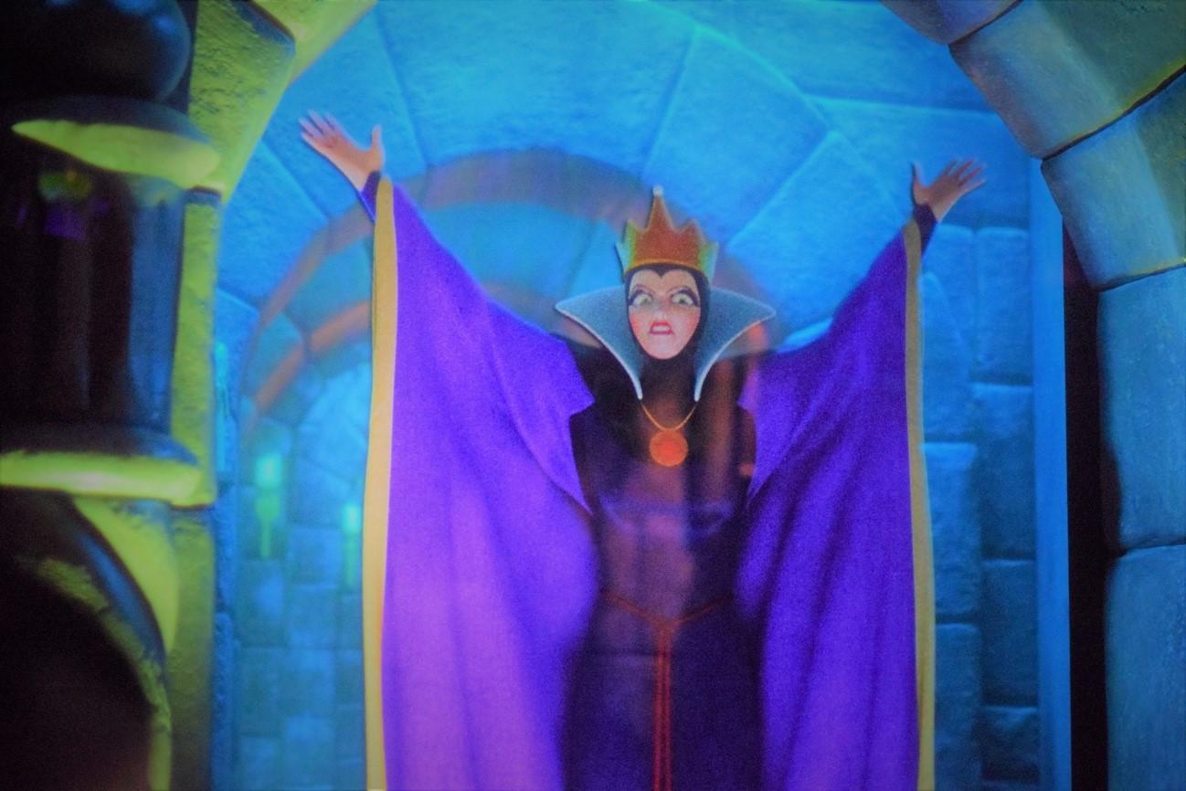 魔女を中心に恐ろしいシーンの多かった「白雪姫と7人の小人」