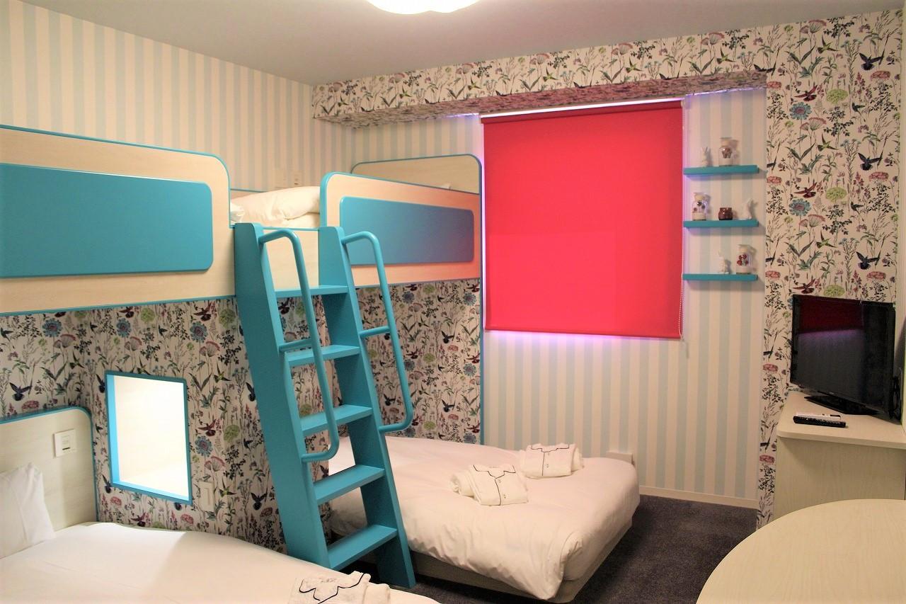 2段ベッドルーム(ボタニカル)