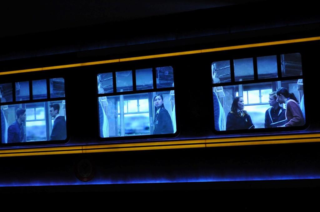 USJ新ナイトパレード/ディメンターの登場でホグワーツ特急のフロートも冷気が漂う