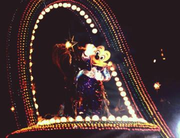 【写真で振り返る】「ファンティリュージョン!」まとめ!過去のディズニーランドナイトパレード!