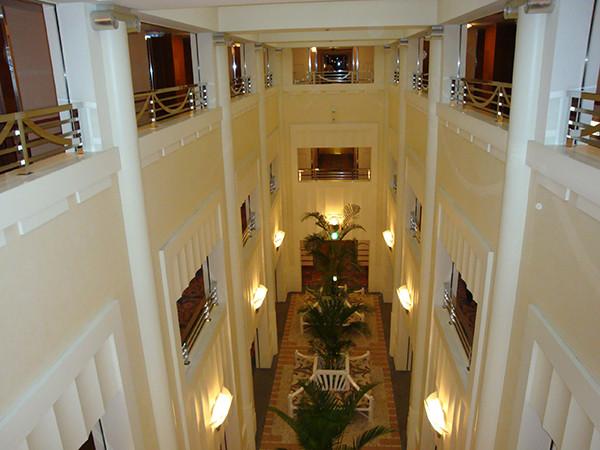 ディズニーアンバサダーホテルの内装