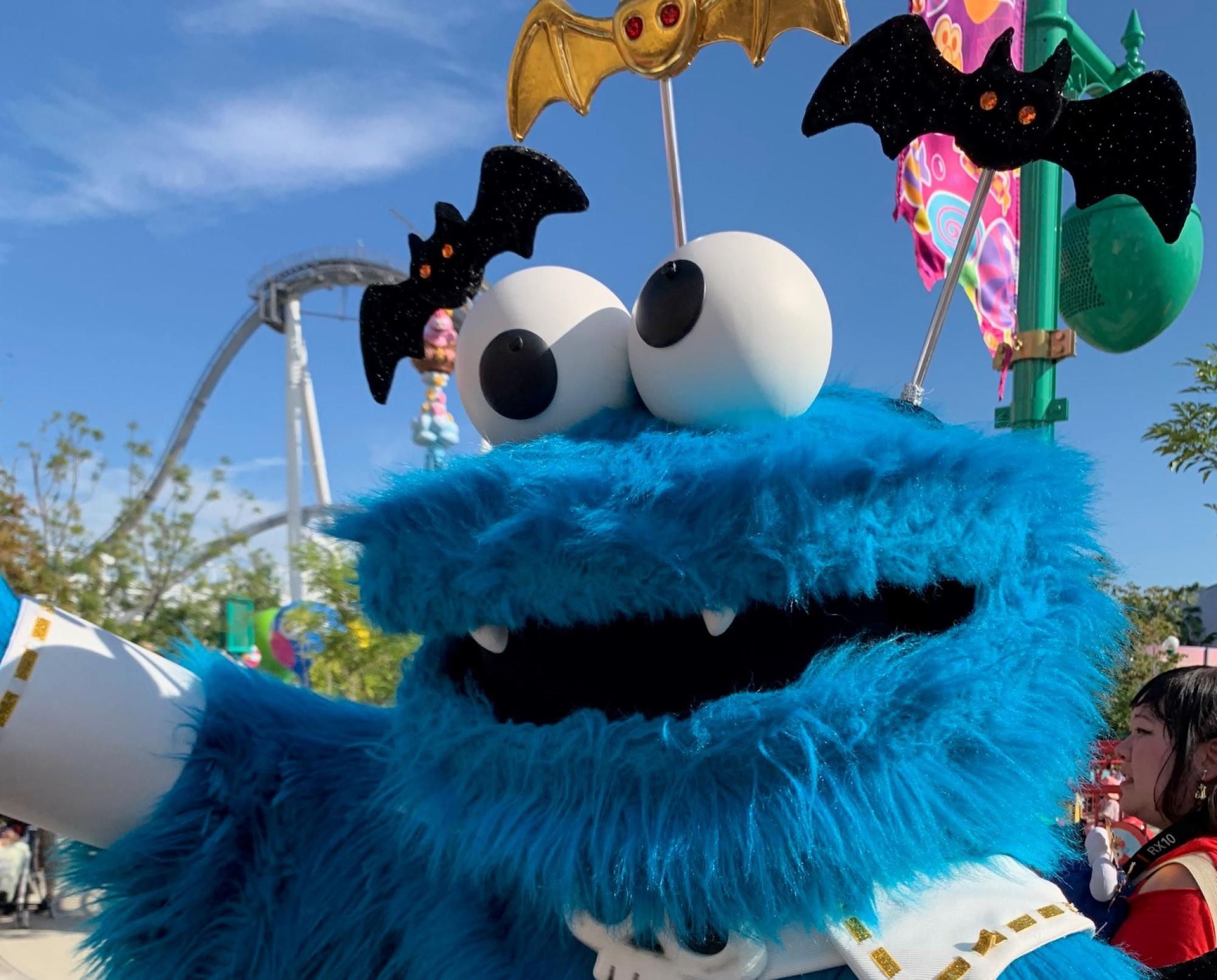 ハロウィン仮装のクッキーモンスター