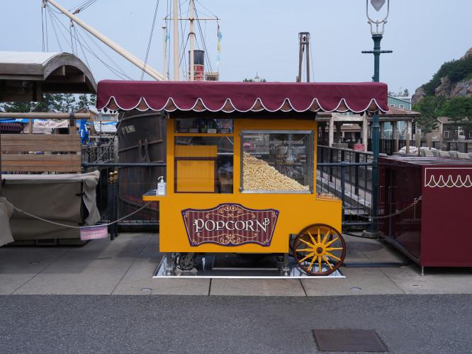 【ドックサイドステージ】ディズニーシーの屋外劇場!歴代ショー・中止条件・周辺グルメまとめ!
