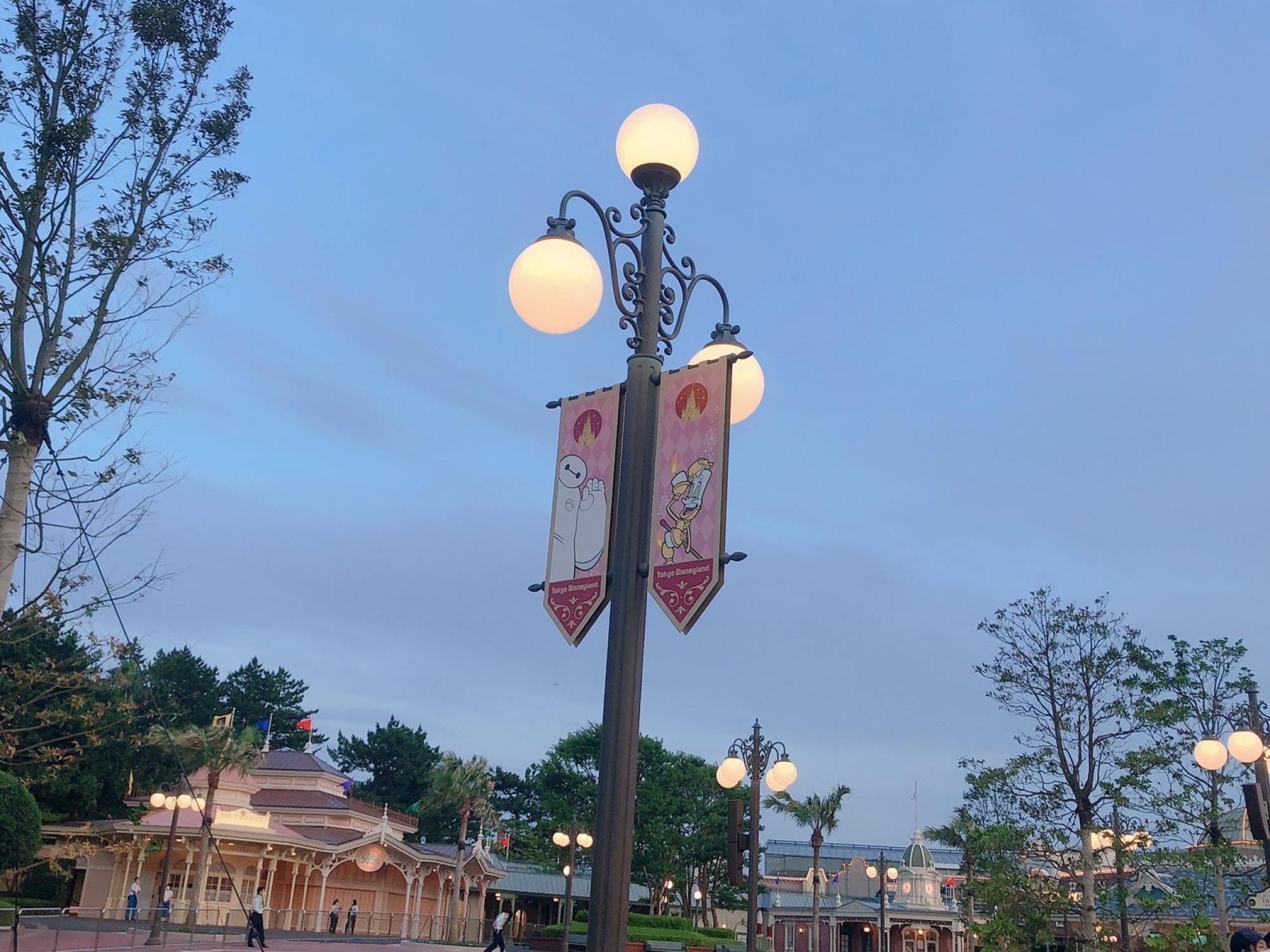 ディズニーランドエントランスの街灯